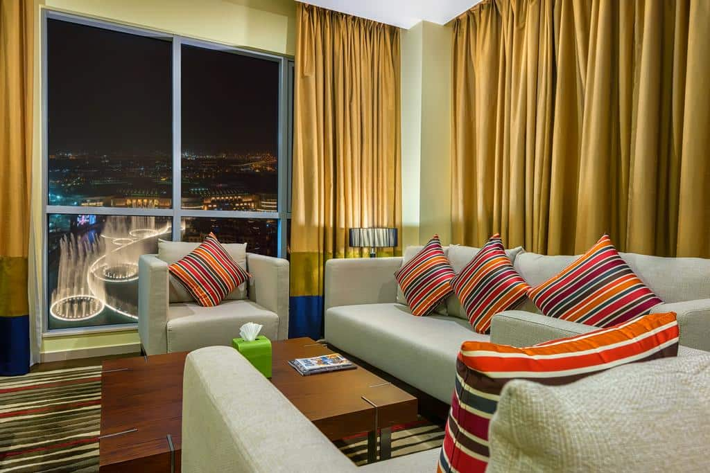 Apartment living area with Fountain view