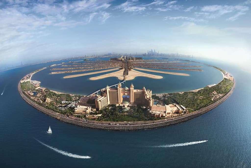 Atlantis Hotel Dubai Exterior View