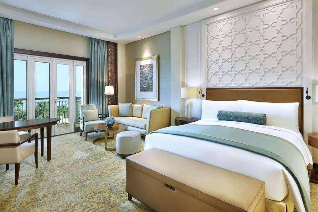 Deluxe king bedroom with ocean view
