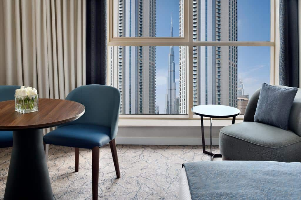 Deluxe room with Burj Khalifa view