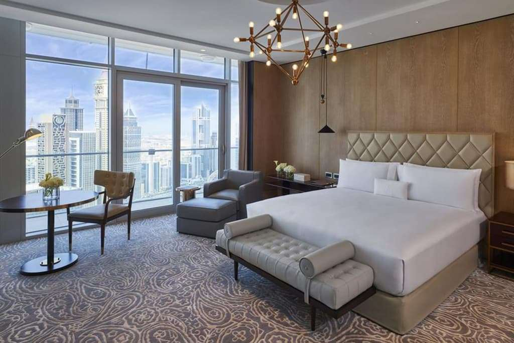Grand Deluxe King Room with City view